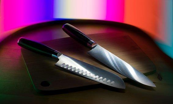 名古屋市で2人が刃物で刺され死亡!犯人は誰?名前や顔画像の特定は?