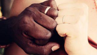 貫地谷しほりの結婚指輪のブランドはどこ?値段はいくら?一般男性と結婚